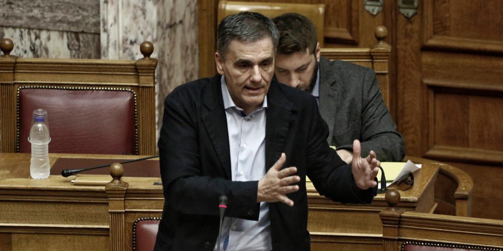 Ο Τσακαλώτος υποσχέθηκε στην Βουλή εκπλήξεις για τον ΕΝΦΙΑ