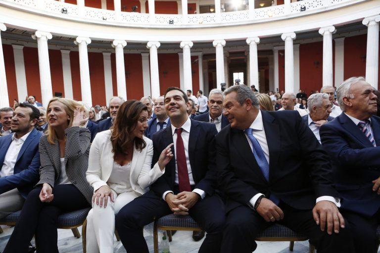 Μείναμε με τη… γραβάτα – Η «φιέστα» στο Ζάππειο και τα παραλειπόμενα μιας σκληρής συμφωνίας