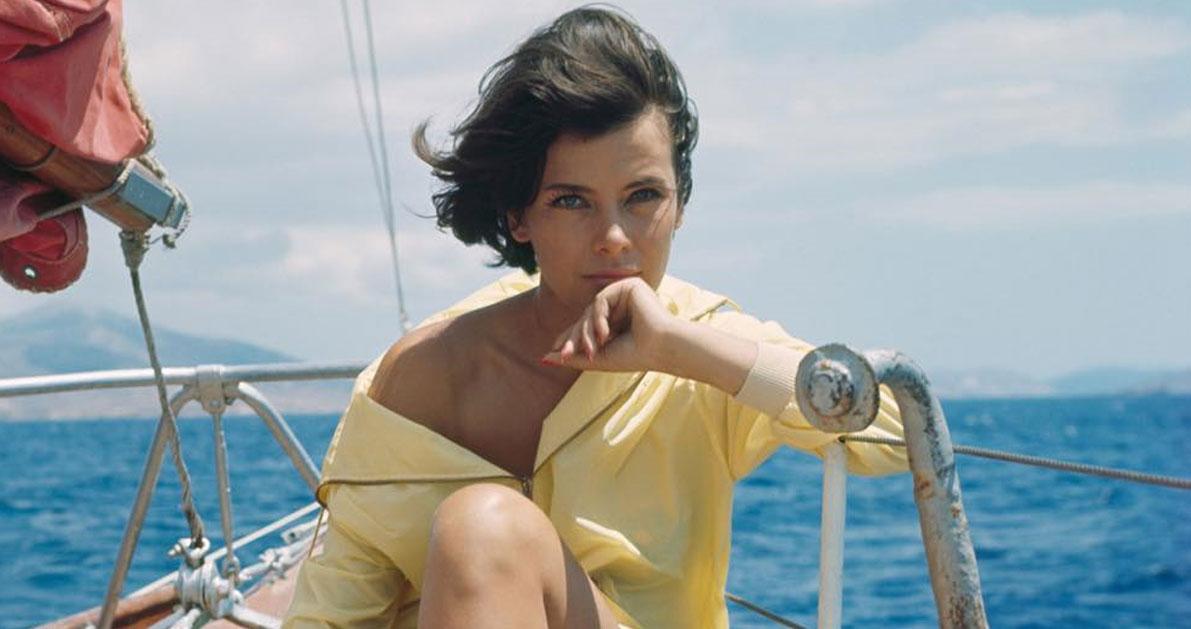Σαν σήμερα το 1992 «φεύγει» από τη ζωή η Ελληνίδα ηθοποιός Τζένη Καρέζη