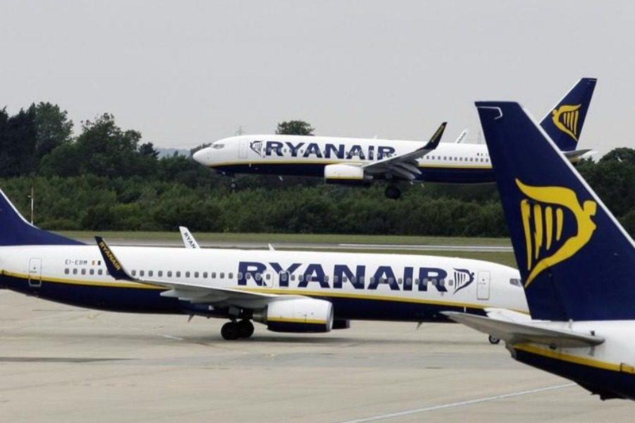 Αναγκαστική προσγείωση αεροσκάφους της Ryanair ‑ 33 άτομα στο νοσοκομείο
