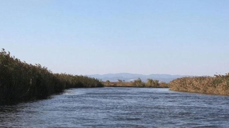 Συνεχίζονται οι έρευνες για τον εντοπισμό μιας γυναίκας και τριών παιδιών στον ποταμό Έβρο