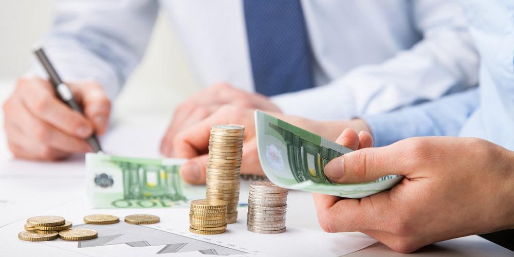 Έξυπνοι τρόποι για να εξοικονομήσετε χρήματα εν μέσω καραντίνας