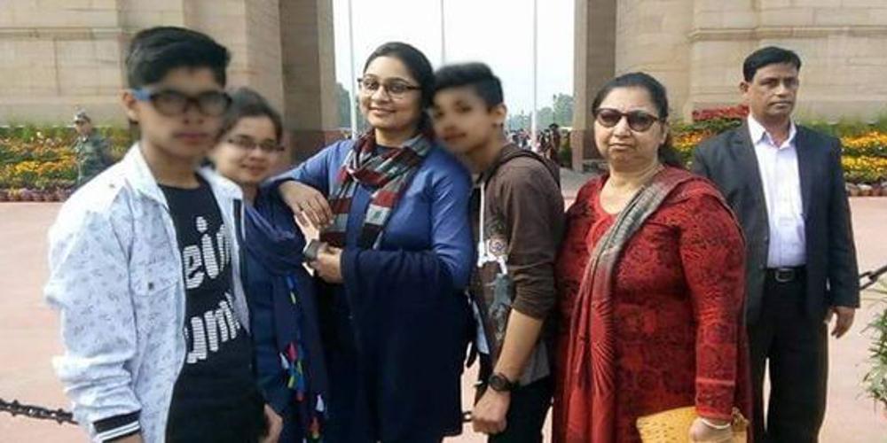 Σοκ στην Ινδία: Αυτοκτόνησε ομαδικά 11μελής οικογένεια που άνηκε σε αίρεση [εικόνες]