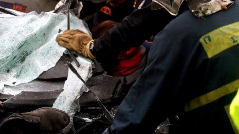 Αυτοκίνητο έπεσε σε δέντρο – Στο νοσοκομείο τρεις γυναίκες