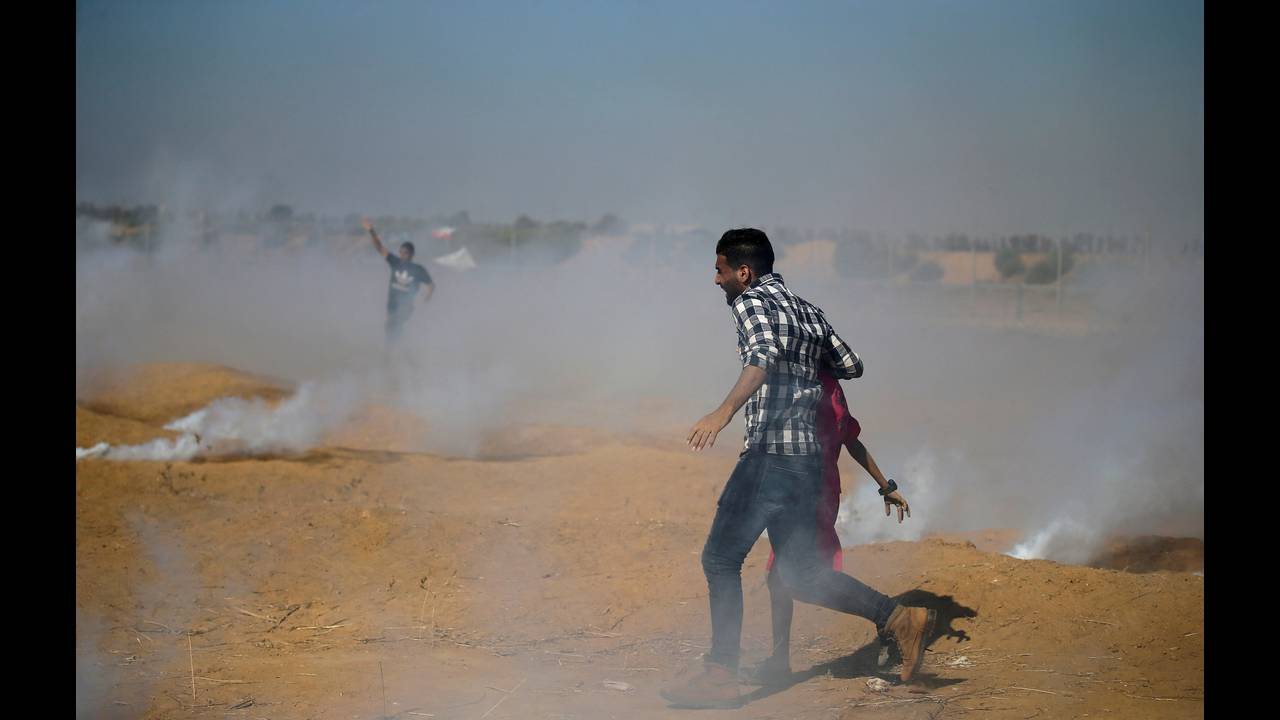 Λωρίδα της Γάζας: Νεκροί και εκατοντάδες τραυματίες σε ταραχές στα σύνορα