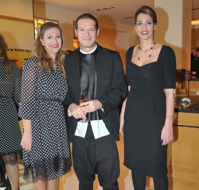 """Η """"εγχώρια φοροδιαφυγή"""" της Louis Vuitton: Και νέα έφοδος της ΑΑΔΕ στη LV. Επτά αναπάντητα ερωτήματα"""