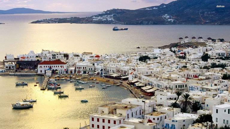 Αμερικανός υμνεί την Ελλάδα και τη Μύκονο γράφoντας ένα θυμωμένο email στην ανιψιά του