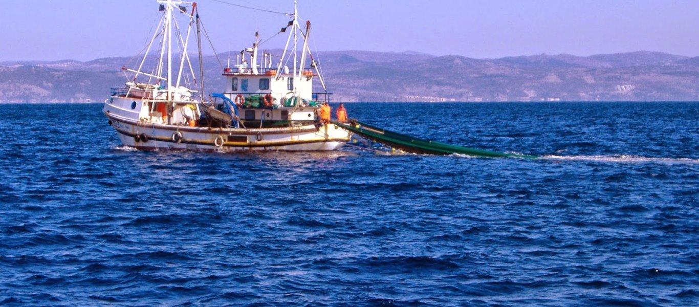 Έλληνας αλιέας: «Μας πυροβόλησαν έξι φορές οι Τούρκοι» – Δήθεν «ψαράδες» εφαρμόζουν το σχέδιο της Άγκυρας