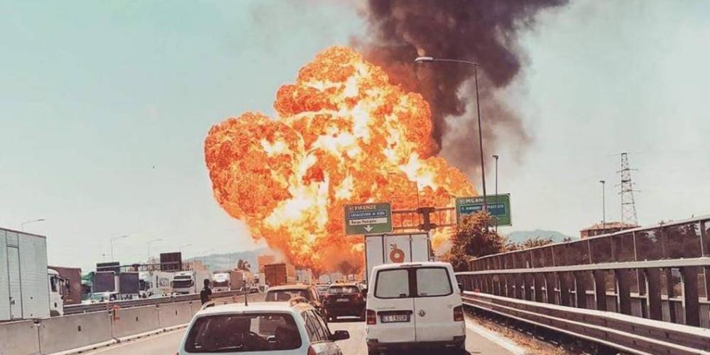 Τουλάχιστον ένας νεκρός από την έκρηξη στην Μπολόνια [εικόνες & βίντεο]