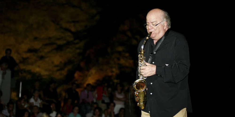Χαμός στην Κέρκυρα με τον Γιώργο Κατσαρό – Τον ανάγκασαν να ακυρώσει συναυλία