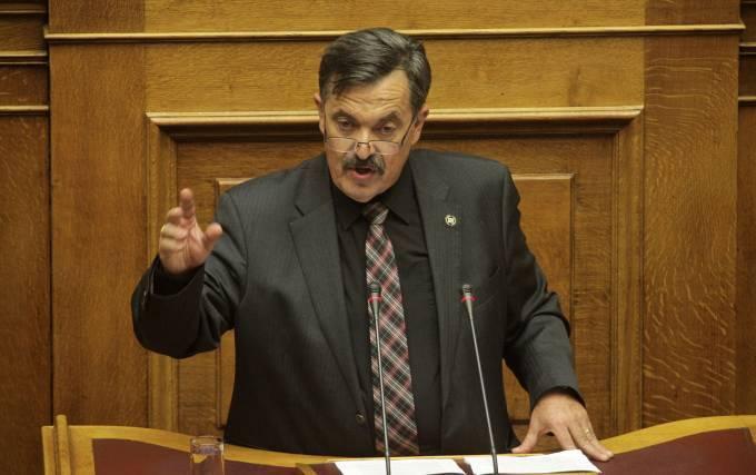 Άναψαν τα αίματα στη Βουλή με τον Χρήστο Παππά της Χρυσής Αυγής για τη Μακρόνησο