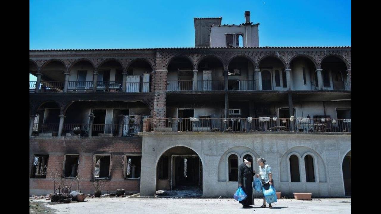 Φωτιά Μάτι: Μήνυση κατά Σκουρλέτη και Τόσκα από οικογένεια θυμάτων