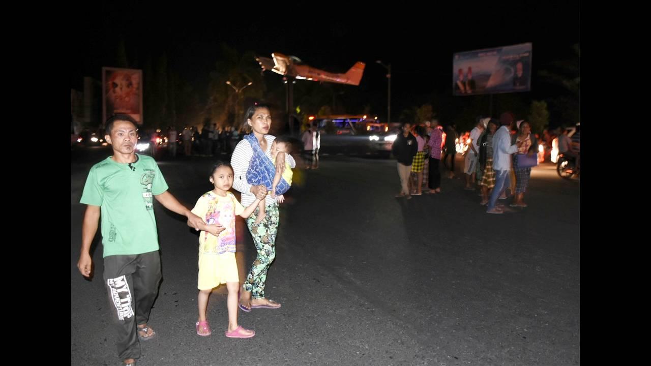 Ινδονησία: Τουλάχιστον 37 νεκροί από τον σεισμό των 7 Ρίχτερ