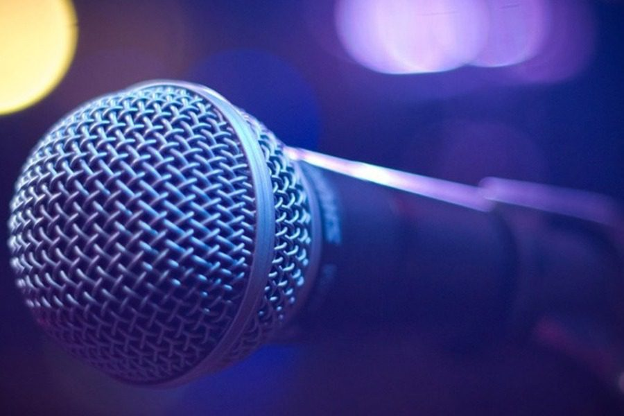 Ελληνίδα τραγουδίστρια εξομολογείται ότι παλεύει 10 χρόνια με τον καρκίνο!