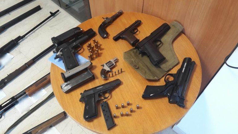 Πλούσιο το οπλοστάσιο που κατείχε ο 54χρονος
