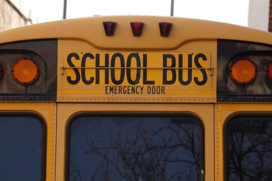 Τι συμβαίνει στον Καναδά όταν ένα σχολικό λεωφορείο σταματήσει;