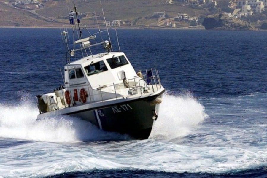 Κυβερνήτης και επιβάτης έπεσαν από σκάφος στην Ουρανούπολη