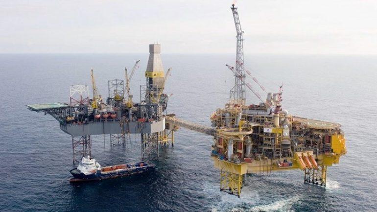 """""""Πέφτουν"""" υπογραφές για την εκμετάλλευση των υδρογονανθράκων Νότια της Κρήτης"""