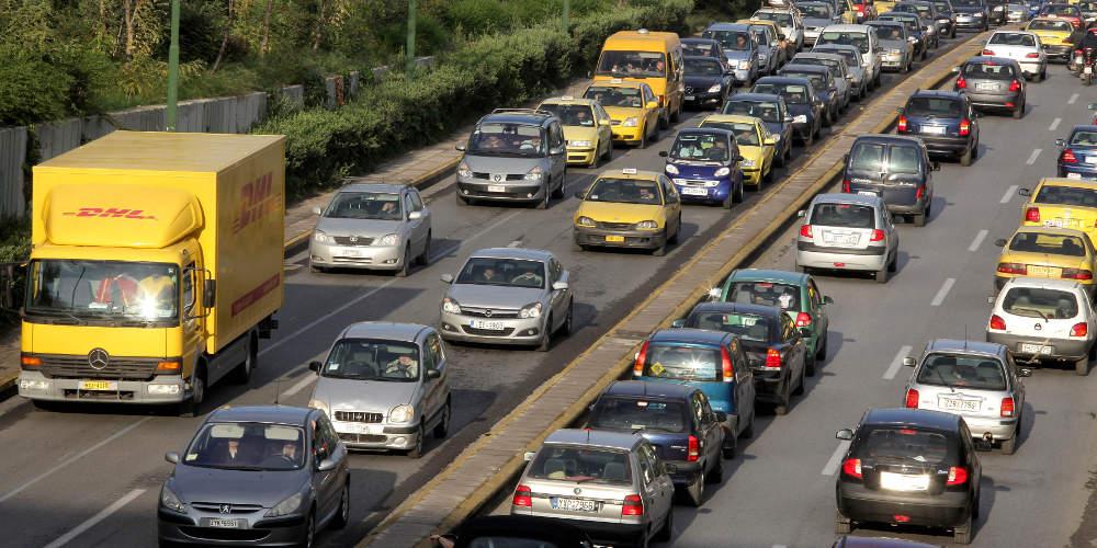 Ταλαιπωρία στην Εθνική Οδό: Μποτιλιάρισμα 10 χλμ. λόγω τροχαίου
