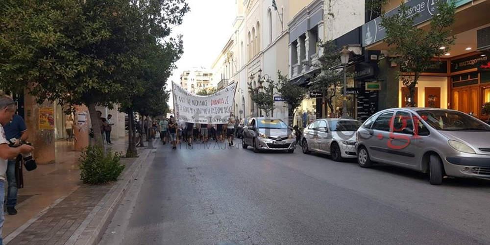Επεισόδια στην αντιφασιστική πορεία για τον Παύλο Φύσσα στην Πάτρα