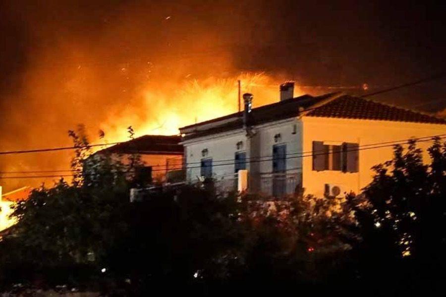 Καλύτερη η εικόνα της φωτιάς στην Κεφαλονιά: Σε εξέλιξη μια πυρκαγιά