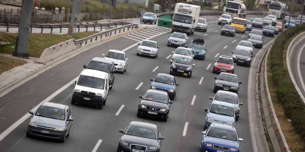 Συναγερμός στην αγορά από χιλιάδες πλαστές ασφάλειες αυτοκινήτων