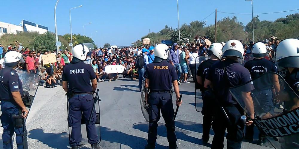 Ξεσηκωμός και πορεία διαμαρτυρίας μεταναστών από Μόρια προς Μυτιλήνη