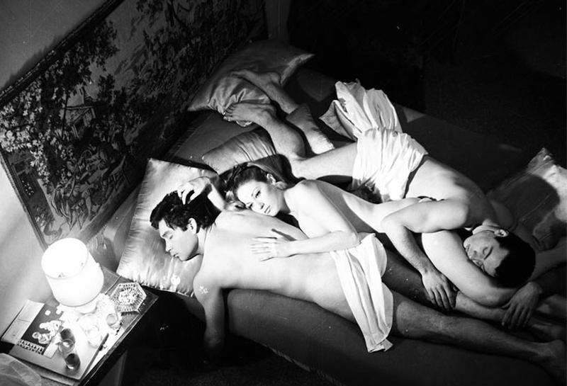 Απαγορευμένες ερωτικές σχέσεις, εκτρώσεις, τεντιμπόηδες, αναμορφωτήρια και πόρνες…