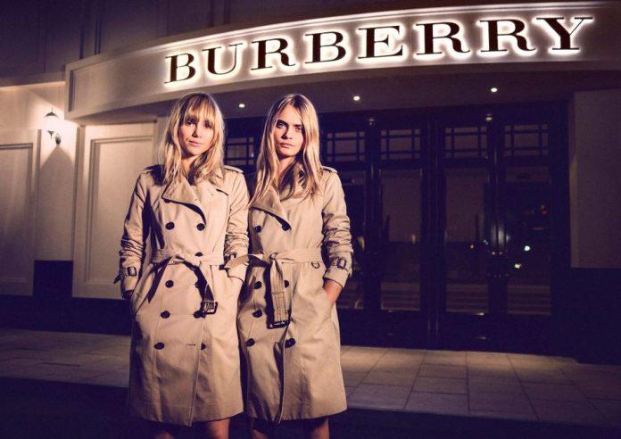 Δεν θα πιστέψετε γιατί στην Burberry έχουν εμμονή με το νούμερο 17