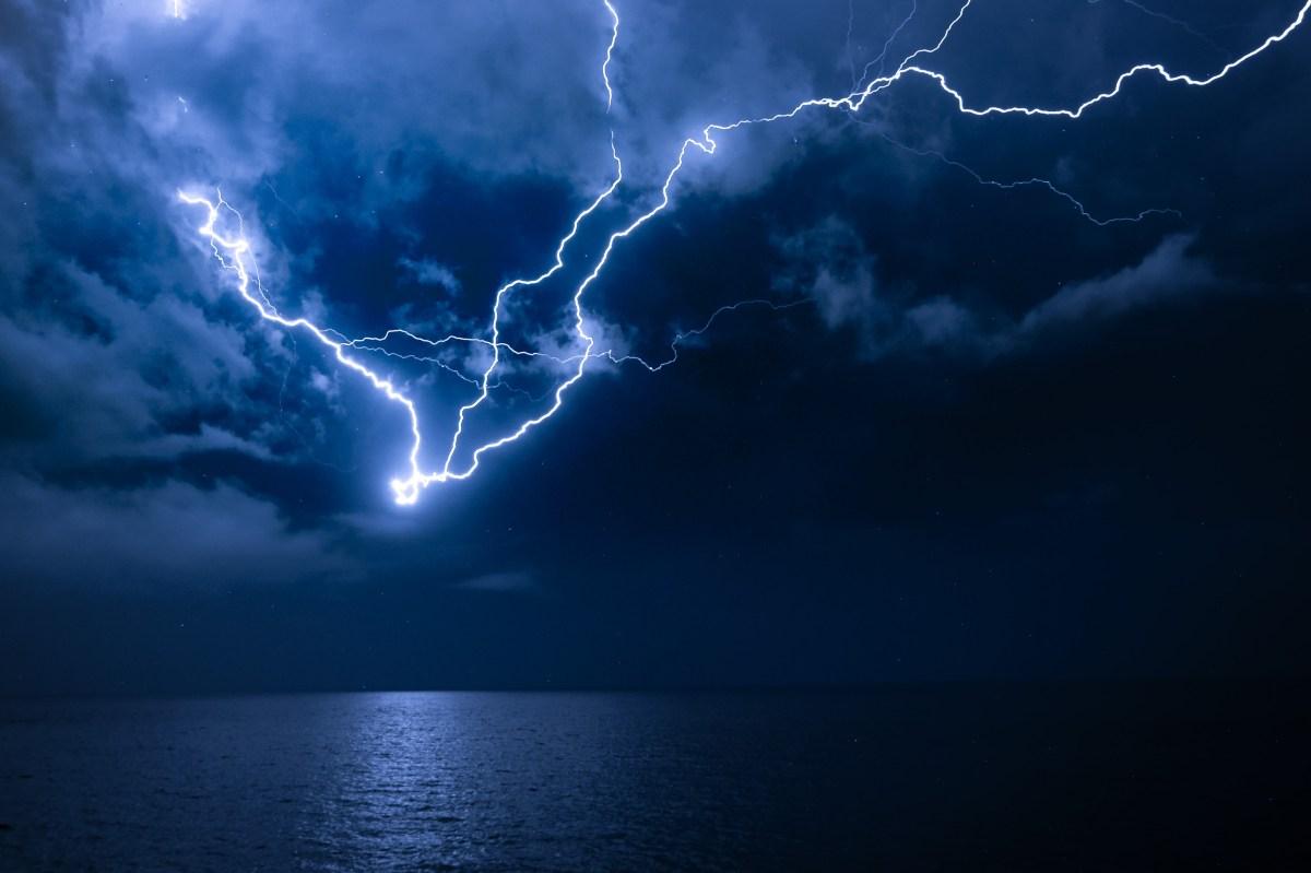 Πάνω από 20.000 κεραυνοί γύρω από τον «Ορέστη» – Ισχυρές βροχές και καταιγίδες από την Τρίτη