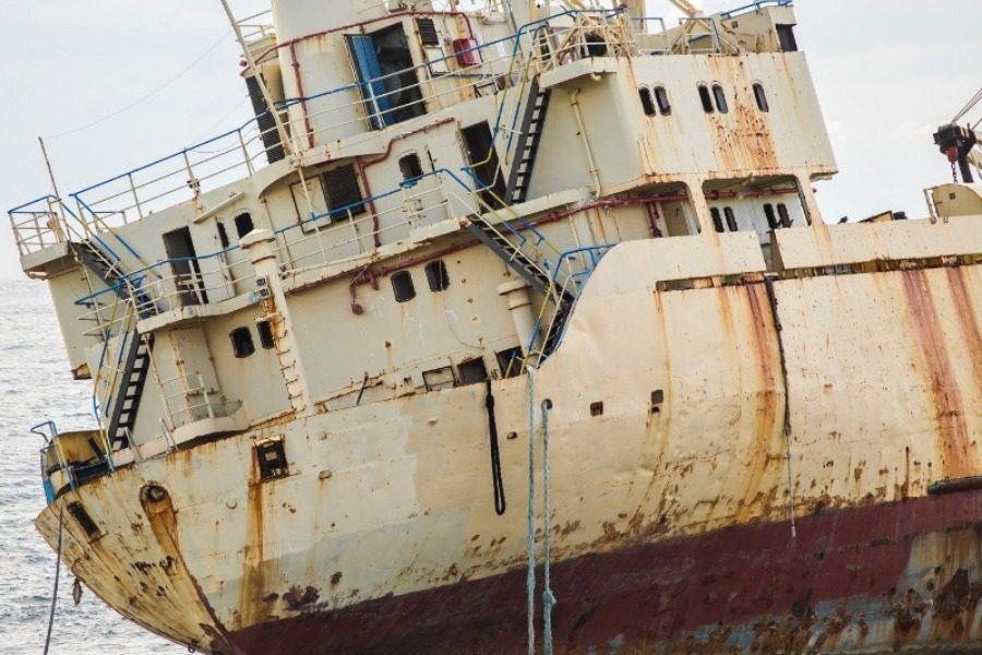 Το τσουνάμι πέταξε ολόκληρο το πλοίο στην στεριά
