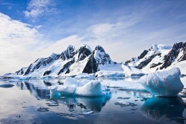 «Αόρατος» κίνδυνος στην Αρκτική απειλεί με αφανισμό την ανθρωπότητα