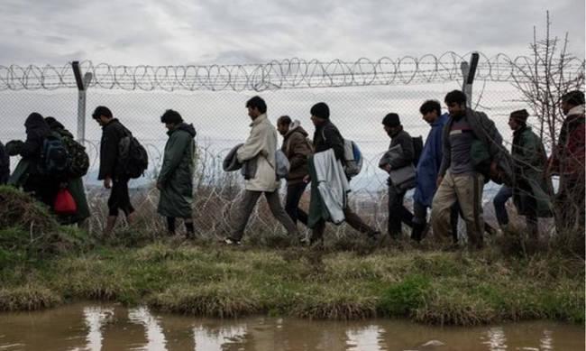 Θρίλερ στον Έβρο: Οι Τούρκοι «άνοιξαν» τα σύνορα – Ορδές μεταναστών στην Ελλάδα