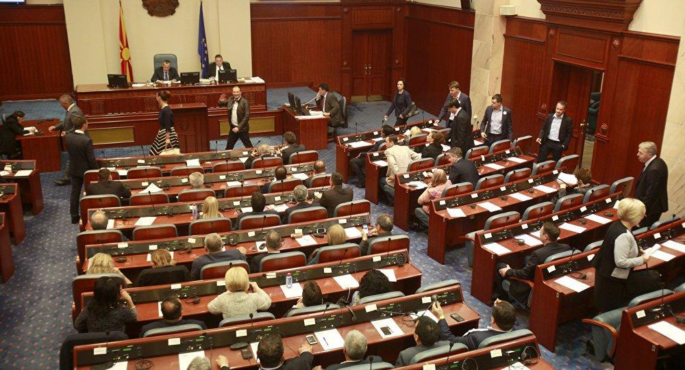 ΕΚΤΑΚΤΟ – Στον «αέρα» η Συμφωνία των Πρεσπών: Αποχωρεί το VMRO από τις συζητήσεις – ΜΜΕ Σκοπίων: «Ένα βήμα πριν τις πρόωρες εκλογές η Ελλάδα»