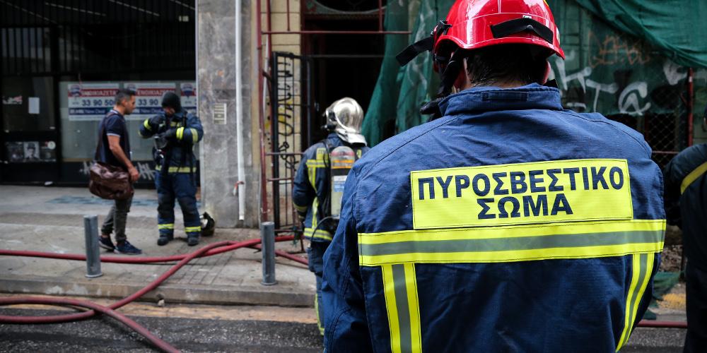 Σοκ: Άνδρας αυτοπυρπολήθηκε στο κέντρο της Θεσσαλονίκης
