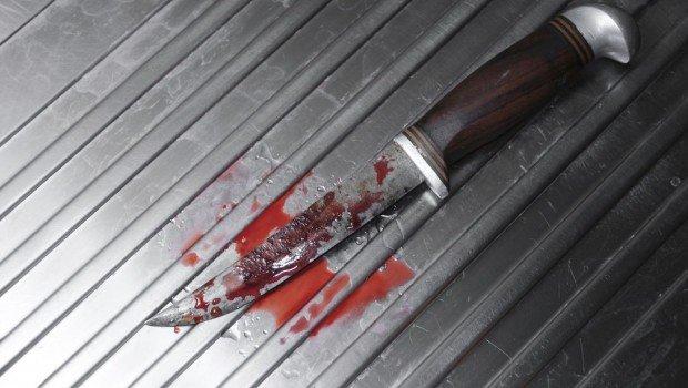 Πεδίο μάχης η Πάτρα: Συμπλοκή μεταναστών με μαχαίρια – Κείτονται αιμόφυρτοι στο έδαφος – Σκληρές εικόνες