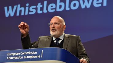 Μεγαλύτερη προστασία για τους πληροφοριοδότες ενέκρινε το Ευρωπαϊκό Κοινοβούλιο