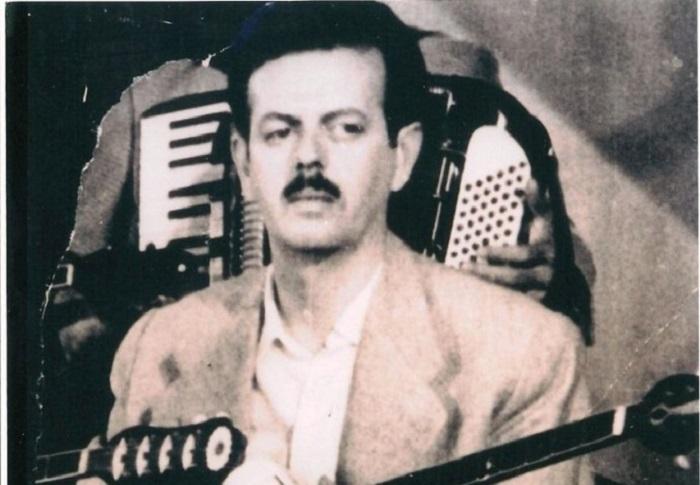 «Ουζερί Τσιτσάνης». Το μαγαζάκι όπου γράφτηκαν τα μεγαλύτερα λαϊκά τραγούδια του συνθέτη. Οι πελάτες του Τσιτσάνη ήταν από φτωχαδάκια μέχρι μαυραγορίτες και δοσίλογοι