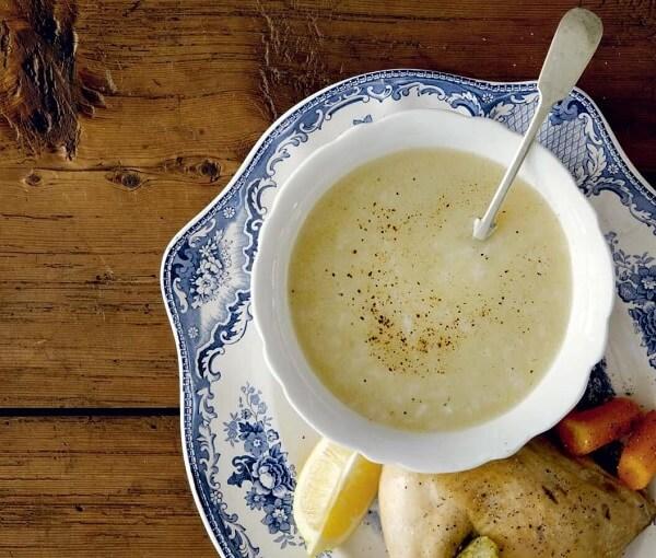 Κοτόσουπα αυγολέμονο: Ό,τι πρέπει για τα πρώτα κρύα!