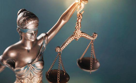 Οι εισαγγελείς σε ρόλο «δήμιου» – Επιχειρηματίες, τραπεζίτες έχουν διασυρθεί για «σκάνδαλα» που αποδείχθηκαν φιάσκο