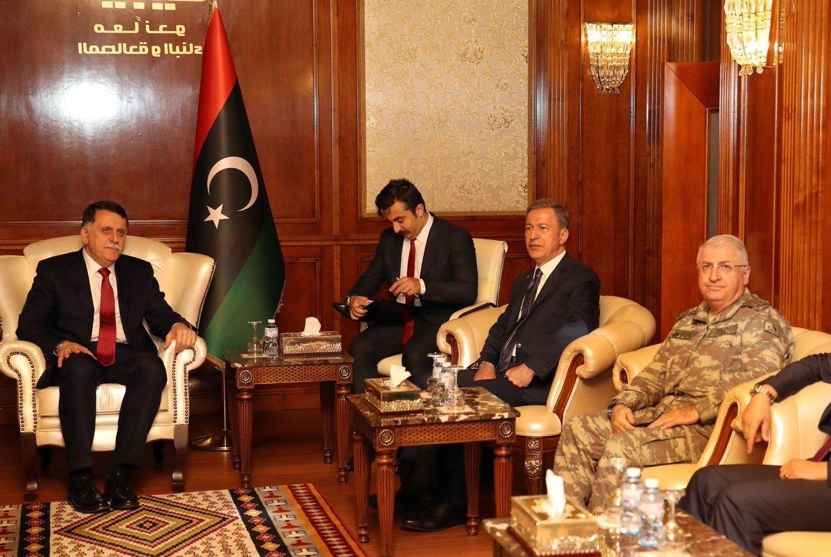 Ξεκίνησε ο ενεργειακός «πόλεμος» Ελλάδας-Τουρκίας: Εκτάκτως στη Λιβύη ο Χ. Ακάρ – «Βρώμικο» παιχνίδι των Τούρκων με την ΑΟΖ