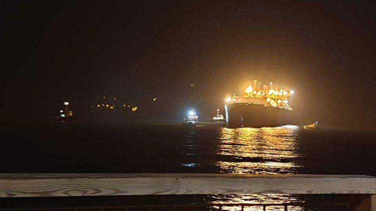 Δεξαμενόπλοιο προσάραξε στον κόλπο Δερματά