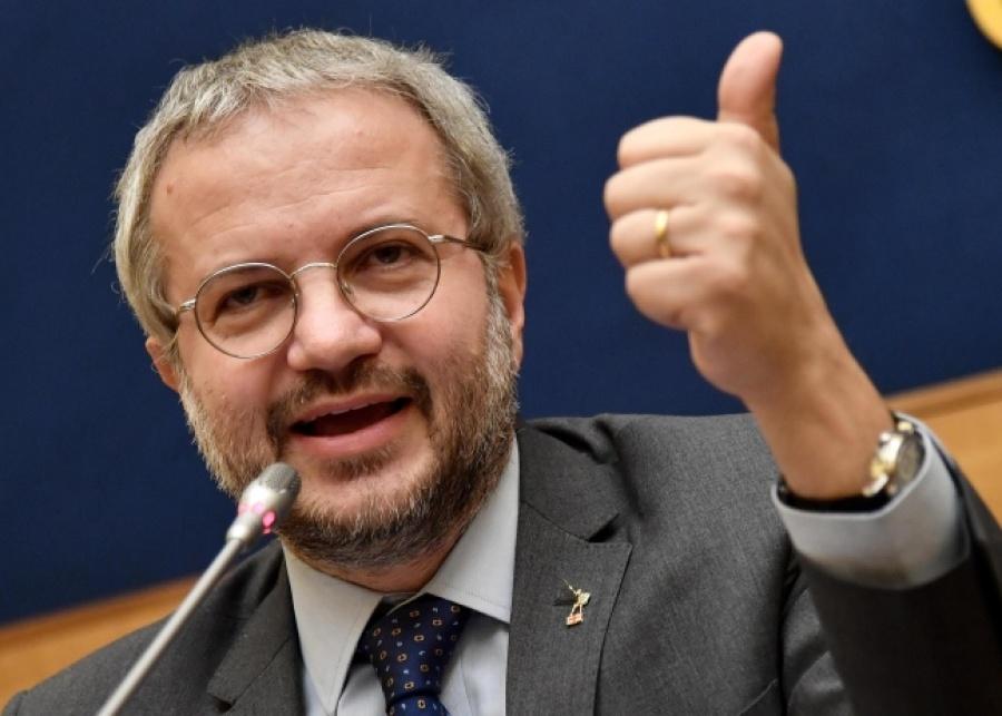 Borghi: Εάν η ΕΕ έχει το κουράγιο να επιβάλει κυρώσεις στην Ιταλία – Εάν η Lega κερδίσει τις εκλογές θα βγούμε από το ευρώ