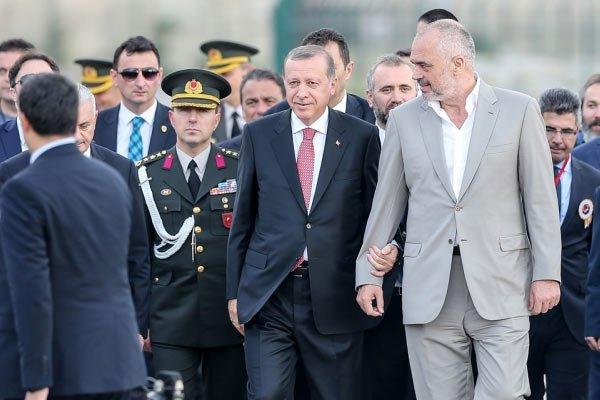 Άξονας Ερντογάν-Ράμα πίσω από τη Χειμάρα: Τίρανα-Σκόπια-Άγκυρα επιτίθενται στην Ελλάδα – Έρχονται τουρκικές βάσεις στην Αλβανία