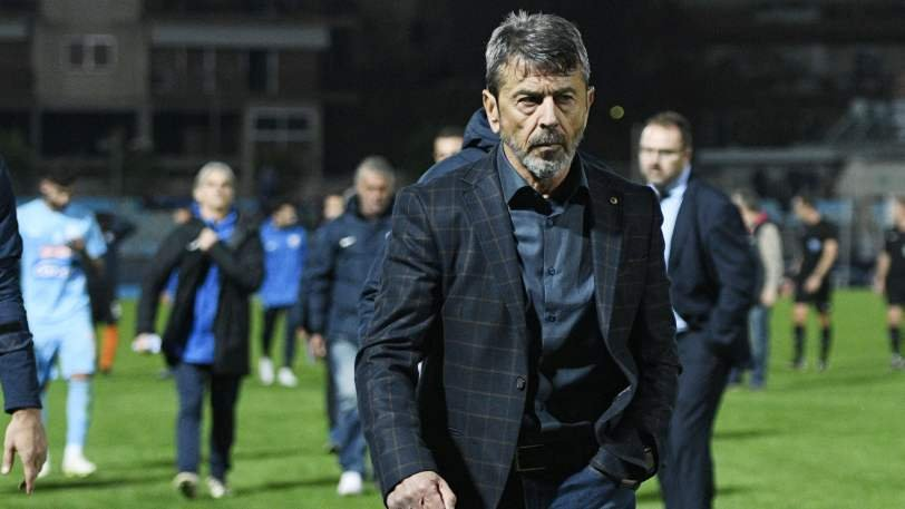 Πετράκης: «Δεν μιλάω για τη διαιτησία, θέλαμε πολύ τη νίκη»