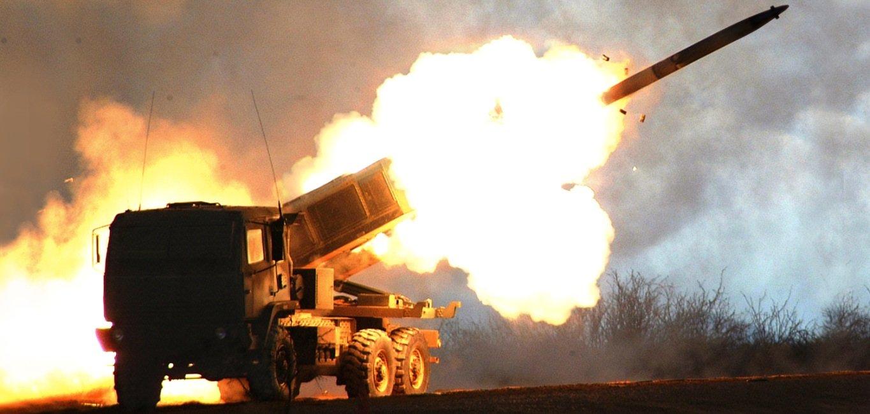 ΕΚΤΑΚΤΗ ΕΙΔΗΣΗ: Αμερικανικές δυνάμεις επιτέθηκαν κατά του Συριακού στρατού – «Κόλαση» πυρός στη Συρία, φόβοι για πολλές απώλειες