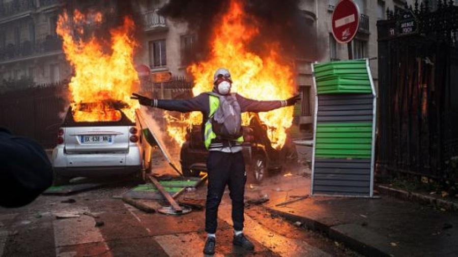 Ξεπερνά κατά πολύ τα 4 εκατ. ευρώ το κόστος των επεισοδίων στο Παρίσι – Πλήγμα για τη γαλλική οικονομία