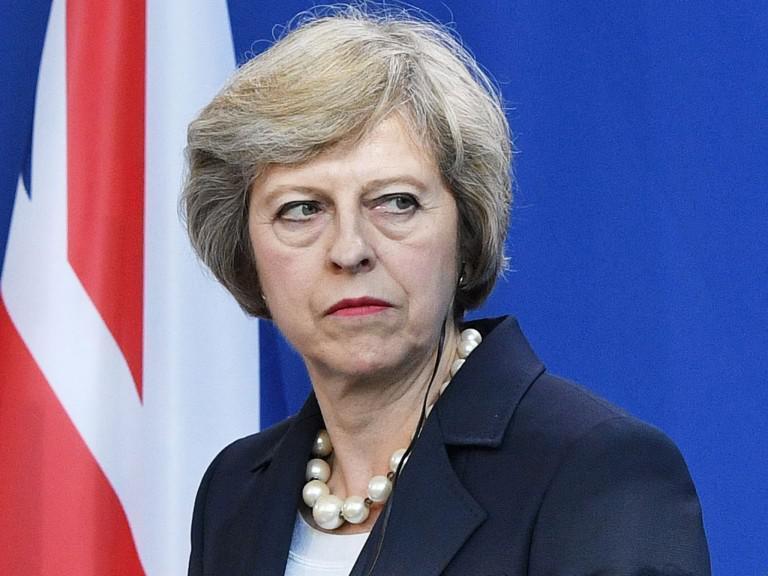 Βρετανία: «Επιβίωσε» η Τερέζα Μέι της πρότασης μομφής με 200 ψήφους