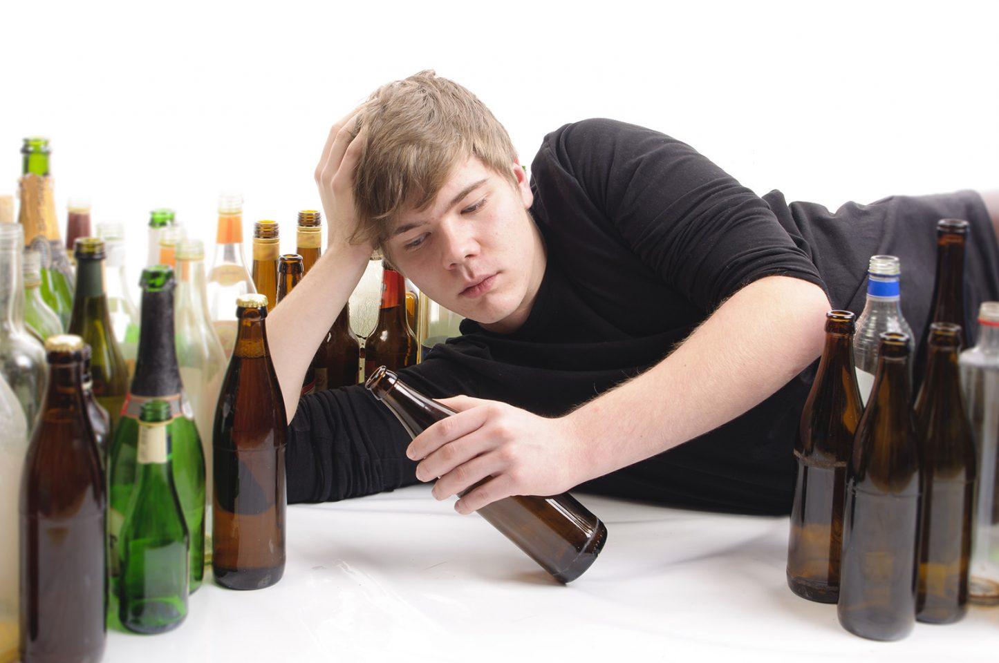 Αλκοόλ και έφηβοι: Ένας «δαίμονας» που απειλεί να τους καταστρέψει