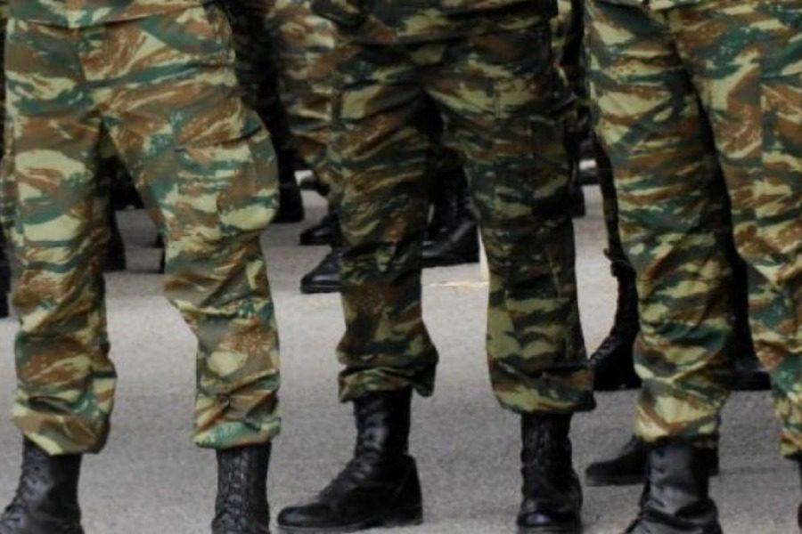 Μετάθεση‑τιμωρία σε στρατιώτη που ζήτησε να σβηστεί χιτλερικό σύνθημα από στρατόπεδο